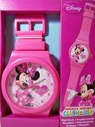 Klok-in-de-Vorm-van-een-Horloge-(Minnie-Mouse)