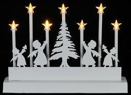 Led-kaarsen-met-engeltjes-en-een-Kerstboom